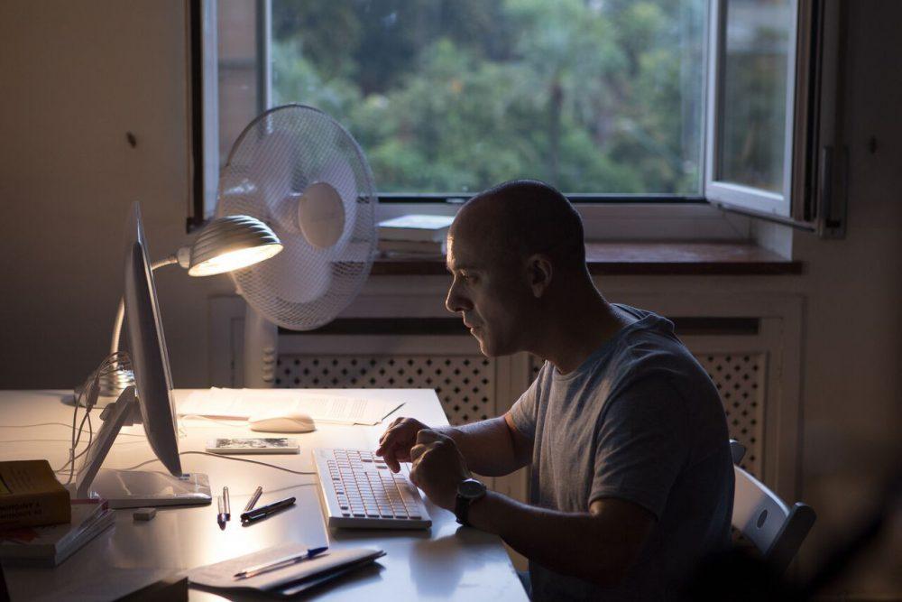 """Fotograma de """"El Autor"""", con Javier Gutiérrez. Fuente: Icónica Films"""